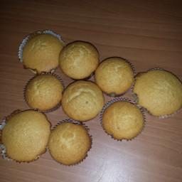 coconut-vanilla-cupcakes-3.jpg