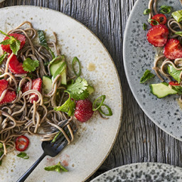 Cold Soba Noodle Salad with Strawberries