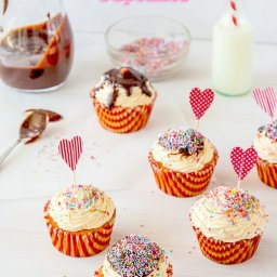 Confetti Cheesecake Cupcakes
