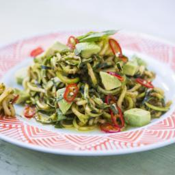 Courgetti spaghetti with tomato and butter bean pesto