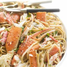 crab-linguine-in-a-white-wine-garlic-sauce-2802133.jpg