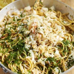 Crab linguine with chilli and parsley