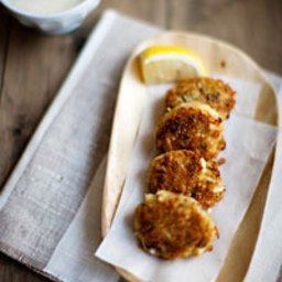 Crab Cakes with Horseradish Cream