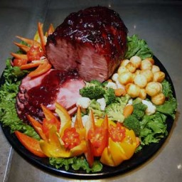 CRANBERRY-BURGUNDY GLAZED HAM