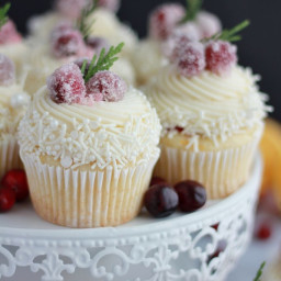 cranberry-orange-white-chocolate-cupcake