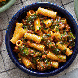 Creamy Beef Ragù and Elicoidali Pastawith Spinach and Cheddar Cheese