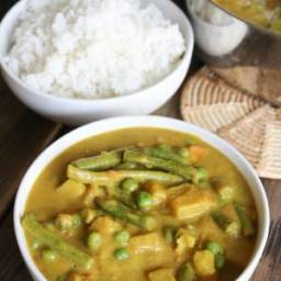 Creamy Cashew Indian Vegetable Curry