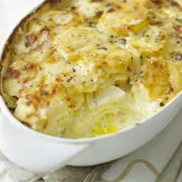 Creamy cheese and potato bake