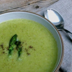 Creamy, Dairy-free Asparagus Soup