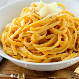 Creamy Pumpkin Pasta (Skinny and Vegetarian)