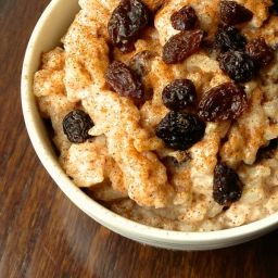 Creamy Rice Pudding with Cinnamon & Raisins