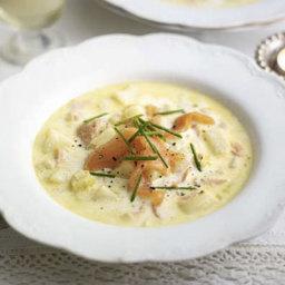 Creamy smoked salmon, leek and potato soup