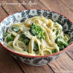 Creamy Parmesan Garlic Alfredo Sauce Recipe
