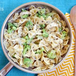 Creamy Pesto Pasta with Chicken  and  Broccoli