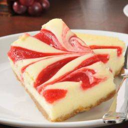 Creamy Raspberry Cheesecake Bars