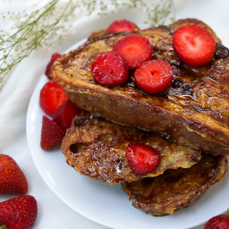 Creme Brulee French Toast with Strawberries (Dairy Free, Refined Sugar Free