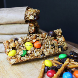 Crispy and Chewy Trail Mix Granola Bars