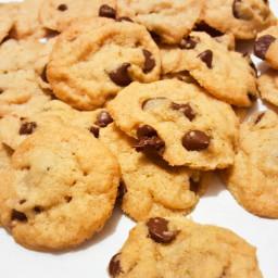 Crispy Chocolate Chip Cookies ('Famous Amos' copycat)