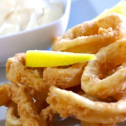 Crispy Fried Calamari recipe (Kalamarakia Tiganita)