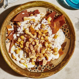 Crispy Pita with Chickpeas and Yogurt (Fattet Hummus)