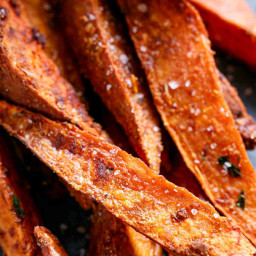 crispy-sweet-potato-wedges-with-garlic-avocado-aioli-2744376.jpg