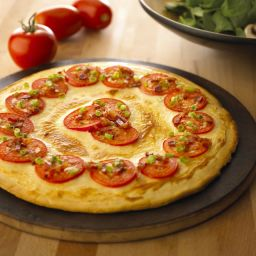 Crème de Brie Pizza with Tomatoes & Bacon
