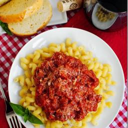 Crock Pot Spaghetti Sauce with OMG Garlic Bread