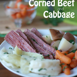 crockpot-corned-beef-and-cabbage-1352006.png