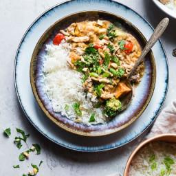 Crockpot Thai Peanut Butter Chicken Curry