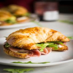 Croissant-wiches