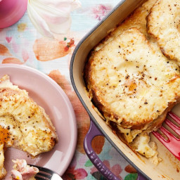 Croque Madame Casserole with Ham and Gruyère