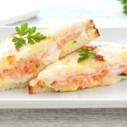 Croque-monsieur con salmone affumicato