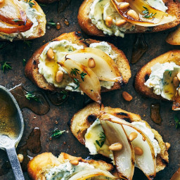 Crostini with Grilled Sweet Onions and Blue Cheese
