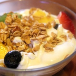 Crunchy Fruit & Greek Yogurt Parfait