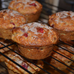 crunchy-oat-and-cranberry-muffins-g-2.jpg