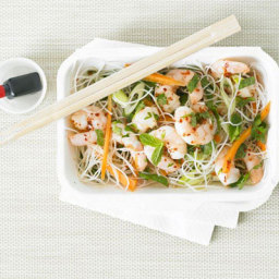 Crunchy prawn and noodle salad