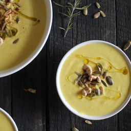 Curry Cashew Cauliflower Soup