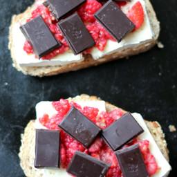 dark-chocolate-raspberry-and-b-26e721.jpg