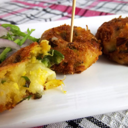 Deep Fried Sweet Corn Patties with Mozzarella Cheese