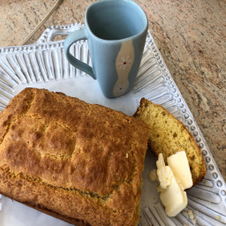 Easy Amish Sour Cream Corn Bread