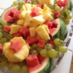 easy-fruit-party-platter-2.jpg