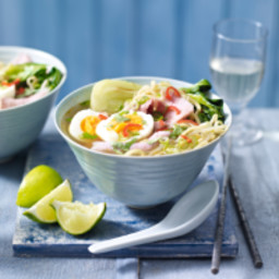 Easy gammon & egg noodle soup