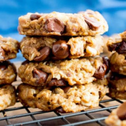 Easy Gluten Free Peanut Butter Chocolate Chip Oatmeal Cookies (Healthy, Veg