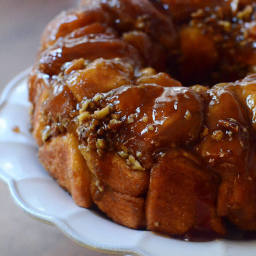Easy Maple Pecan Monkey Bread