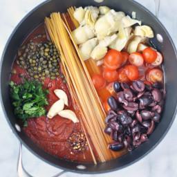 Easy One Pot Pasta Puttanesca