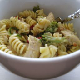 "Easy Pasta ""Primavera"" With Chicken"
