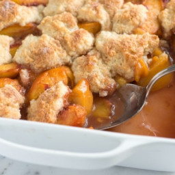 Easy Peach Cobbler Recipe with Spiced Peaches