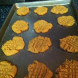 easy-peanut-butter-cookies-19.jpg