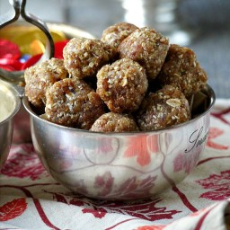 Easy Spiced Almond-Date Balls
