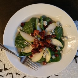 Easy Spinach Pear & Gongonzola Salad